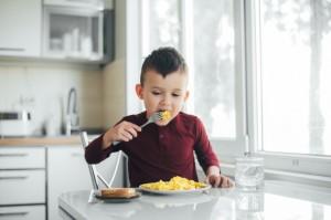 5 Penyebab Anak jadi Picky Eater dan Cara Mengatasinya