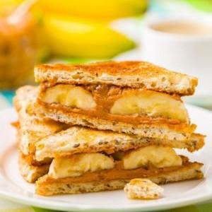 Cara Buat Peanut Butter and Banana Sandwich, Ayo Sarapan!