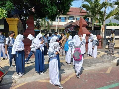 Demo Sengketa Lahan, PTM 2 Sekolah di Cirebon Bubar