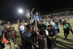 3 Foto Terpopuler: Papua Juara Sepak Bola PON hingga Jokowi Kunjungi NTT
