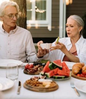 5 Makanan Terbaik untuk Dikonsumsi ketika Memasuki Usia 50-an