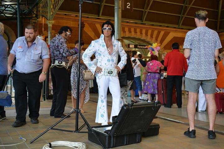 'Elvis Presley' Serbu Parkes Australia