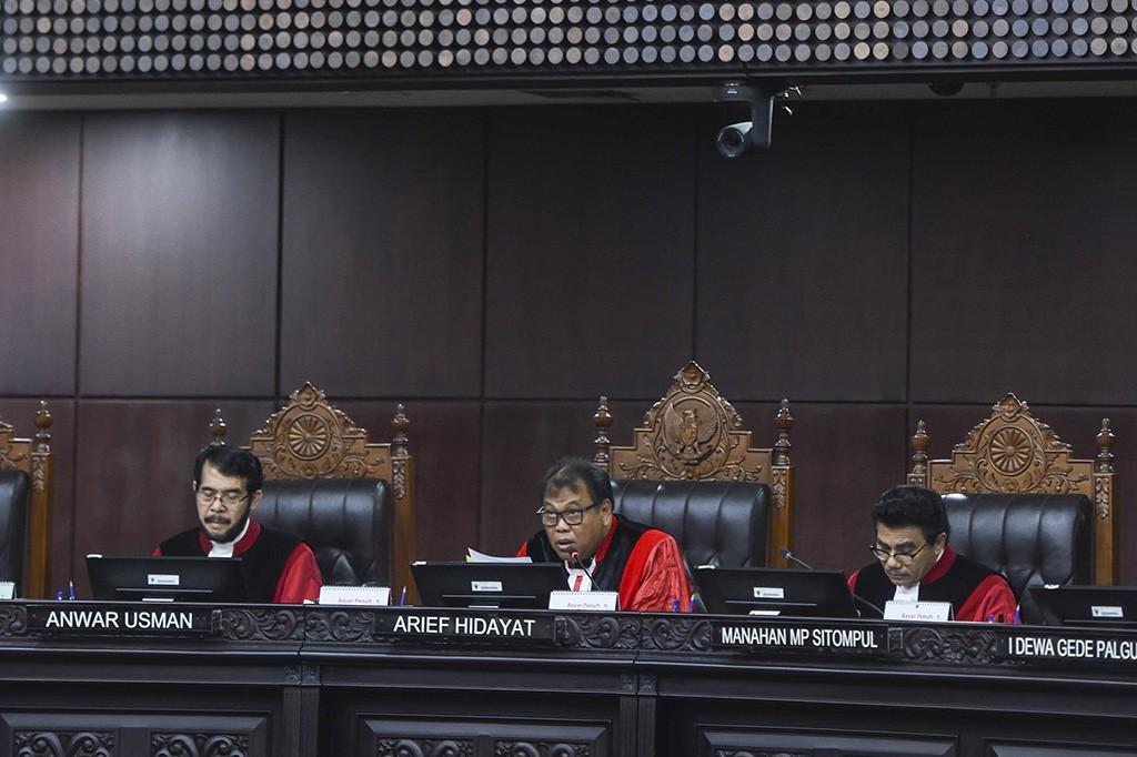 Mahkamah Konstitusi (MK) menolak permohonan uji materi Undang-Undang Permasyarakatan mengenai syarat remisi narapidana.
