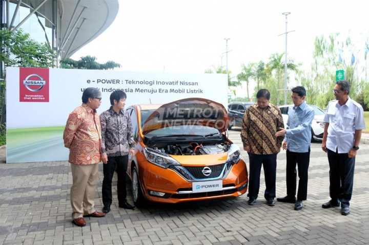 Menperin Menjajal Mobil Listrik Nissan Note e-Power