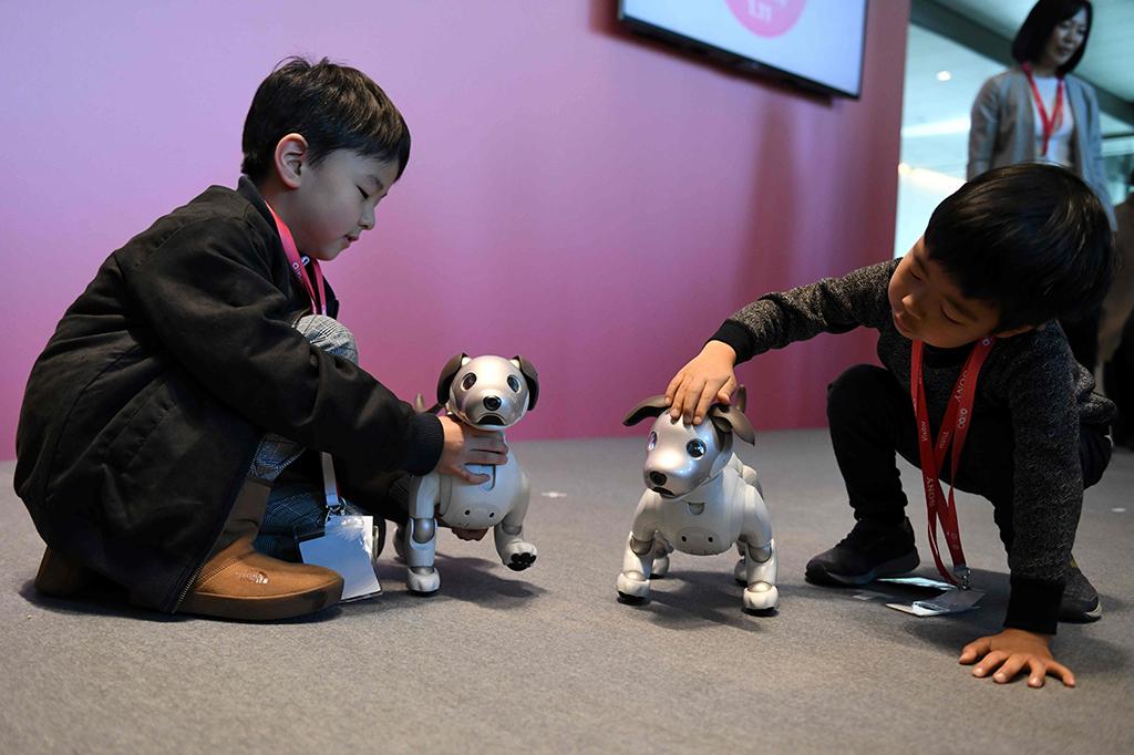 Sony Hidupkan Kembali Robot Anjing Aibo