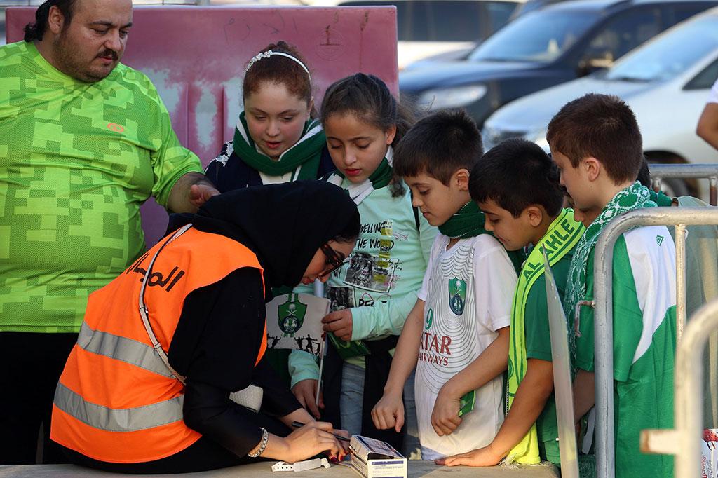 Pertama Kali, Perempuan Saudi Tonton Sepak Bola