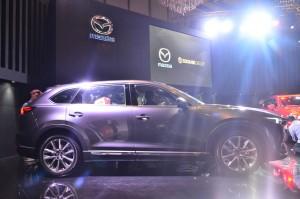 Konsumen bisa meminang SUV 7-penumpang ini dengan harga Rp798,8 juta.