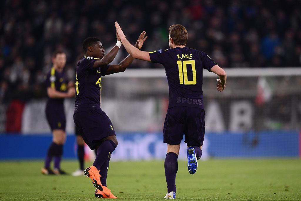 Kane akhirnya mengemas gol pada menit ke-35 untuk memangkas ketertinggalan menjadi 1-2.