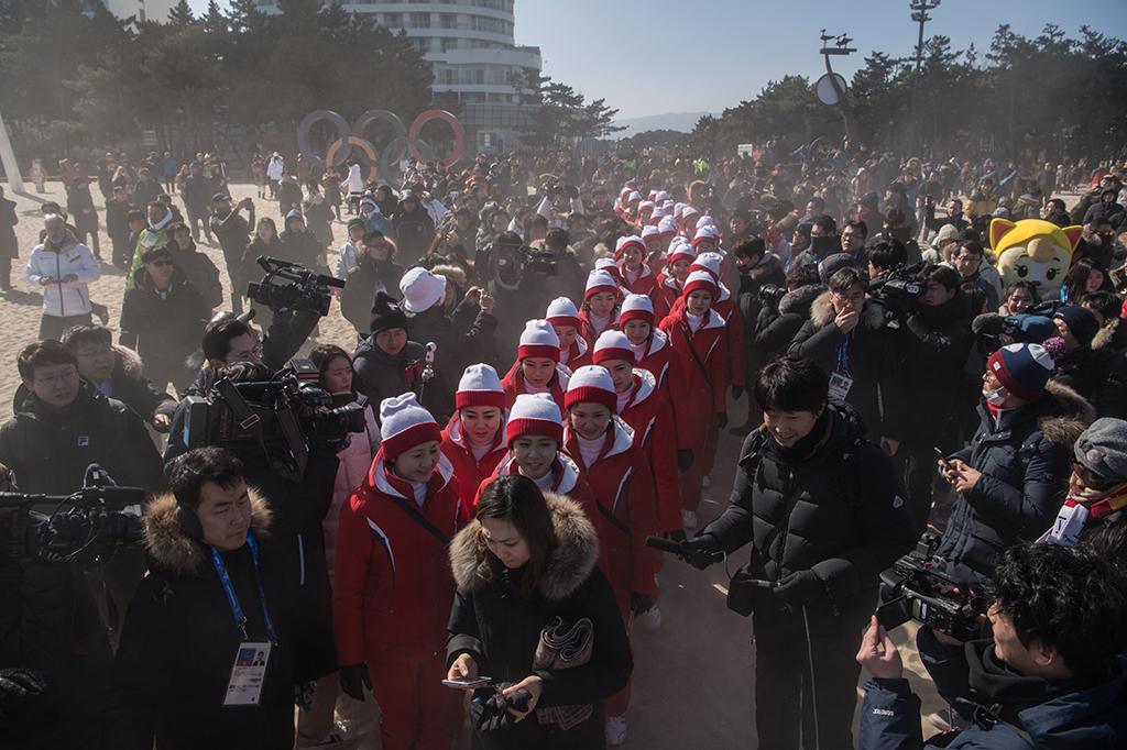 Cheerleader Korut di Olimpiade Pyeongchang Curi Perhatian Dunia