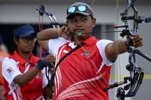 Sedangkan nomor compound putra, Indonesia menyumbangkan medali perunggu. Tim Merah Putih yang diwakili oleh Rizaldi Akbar Yoke, Rindarto Muhamad dan Didi Nugroho Garrincha sukses menaklukkan Thailand. ANTARA/Hafidz Mubarak A