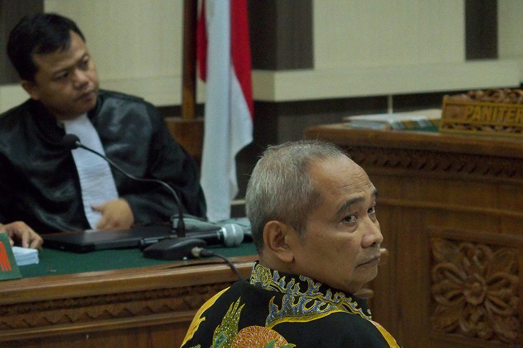 Eks Kepala Perhutani Dituntut 3 Tahun Penjara