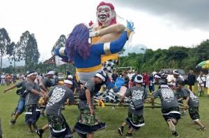 Perayaan Nyepi Tahun Baru Saka 1940 di Kota Batu, Jawa Timur, Jumat, 16 Maret 2018 diwarnai dengan festival ogoh-ogoh.