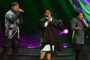 Kembali ke ajang Indonesian Idol. Maria dan Abdul lolos ke babak Grand Final sementara Joan harus terhenti langkahnya di tiga besar.