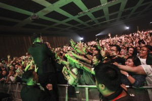 Suasana kemeriahan konser The Script di Kasablanka Hall, Kota Kasablanka, Jakarta Selatan.