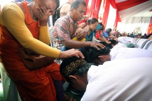 Acara ini juga digelar serentak di Indonesia, salah satunya LPKA Kelas I Blitar, Jawa Timur.Kegiatan ini pun memecahkan rekor Museum Rekor Indonesia (Muri). ANTARA/Irfan Anshori