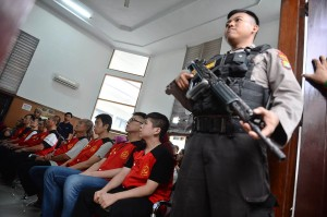 Sidang dengan terdakwa delapan warga negara Taiwan yang dituntut hukuman mati itu ditunda karena hakim belum siap dengan putusan.