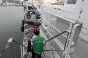 Pada sisi kapal terdapat sekoci atau perahu penyelamat. MI/PIUS ERLANGGA