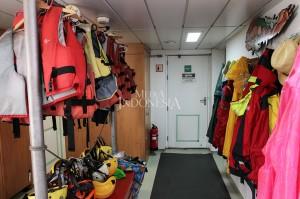 Salah satu sudut ruangan di Kapal Rainbow Warrior. MI/PIUS ERLANGGA