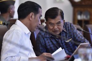 Jokowi juga ingin memastikan pengelolaan dana haji harus memenuhi prinsip transparansi, akuntabilitas, serta prinsip syariat Islam.
