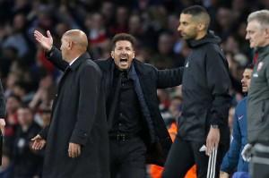 Kartu merah terhadap Vrsaljko membuat pelatih Atletico Diego Simeone protes keras terhadap wasit. Simeone kemudian diusir ke tribun penonton karena reaksi murkanya terhadap keputusan itu.