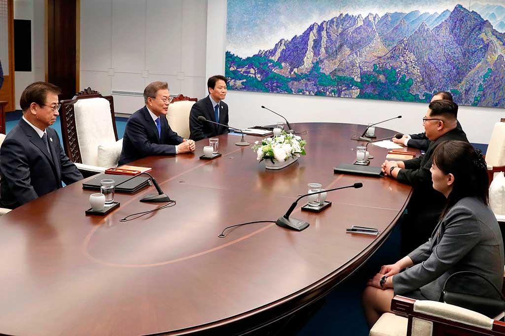 Pertemuan Bersejarah Dua Pemimpin Korea