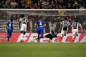 Dalam laga yang digelar di Allianz Stadium ini, Bologna unggul lebih dulu melalui sepakan penalti Simone Verdi pada menit ke-30.