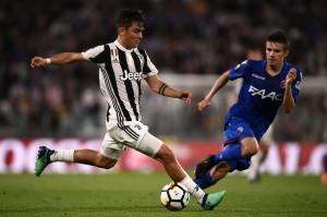 Enam menit kemudian, Juventus bikin gol ketiganya. Lagi-lagi dari aksi Costa, yang kali ini menyodorkan umpan untuk Paulo Dybala. Dybala menuntaskannya dengan sepakan ke pojok kanan bawah gawang.