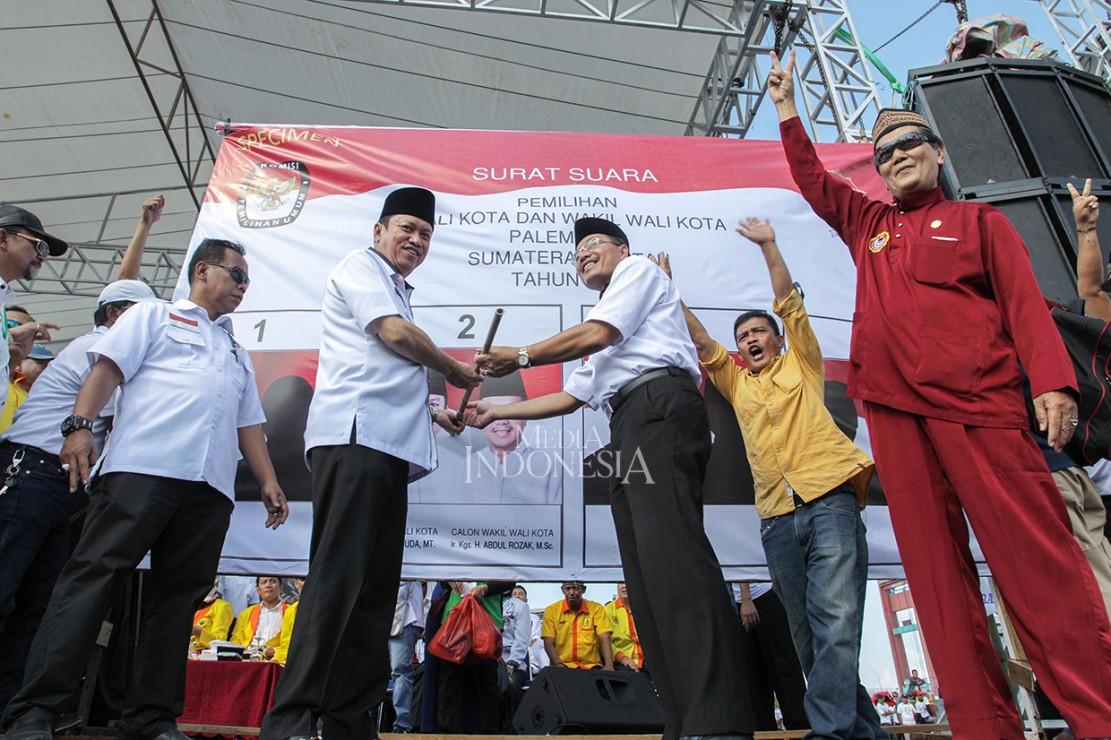 Pasangan Sarimuda dan Abdul Rozak didukung oleh 6 Partai, yang terdiri dari 3 parpol parlemen yaitu NasDem,Gerindra dan PKS, juga 3 partai politik lainya, yakni Perindo, PKP, dan Partai Berkarya.