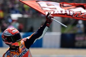 Pembalap Honda itu melaju sendirian di depan pada delapan putaran terakhir hingga garis finis setelah pasangan Ducati Andrea Dovizioso, pemimpin klasemen pebalap sebelumnya, dan Jorge Lorenzo terlibat tabrakan dengan pebalap Honda Dani Pedrosa saat bertarung memperebutkan posisi kedua.