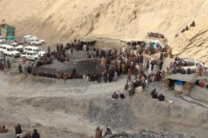 Kecelakaan pertama terjadi ketika sebuah tambang batu bara runtuh di Daerah Pir Ismail, Marwar, dekat Quetta, Ibu Kota Provinsi Balochistan. 16 dari 25 orang di dalam tambang ditemukan tewas, sementara penambang yang tersisa diselamatkan dan dibawa ke rumah sakit untuk perawatan.
