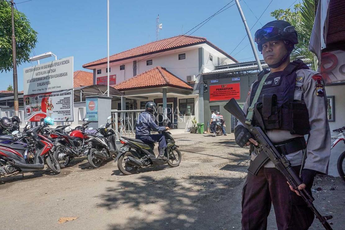 Pengamanan Dermaga Menuju Nusakambangan Diperketat
