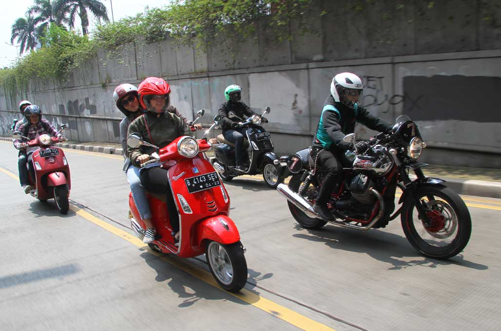 Satmori Seru Bersama Vespa dan Moto Guzzi