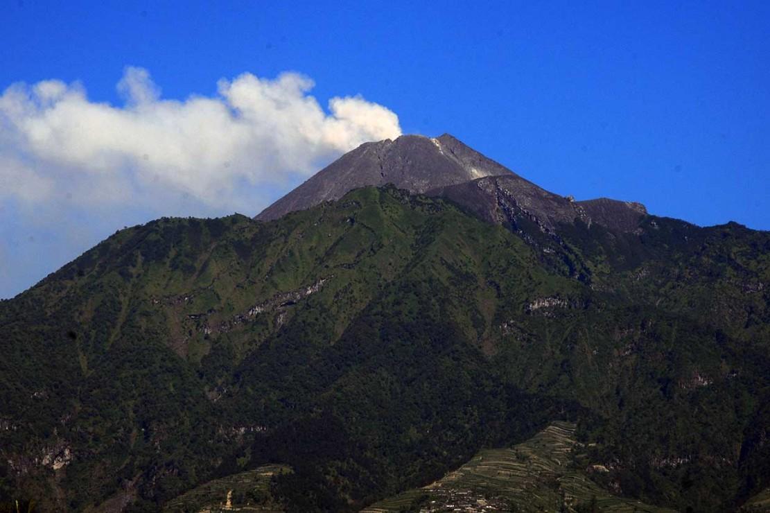 Tinggi Kolom Letusan Freatik Merapi 5,5 Km