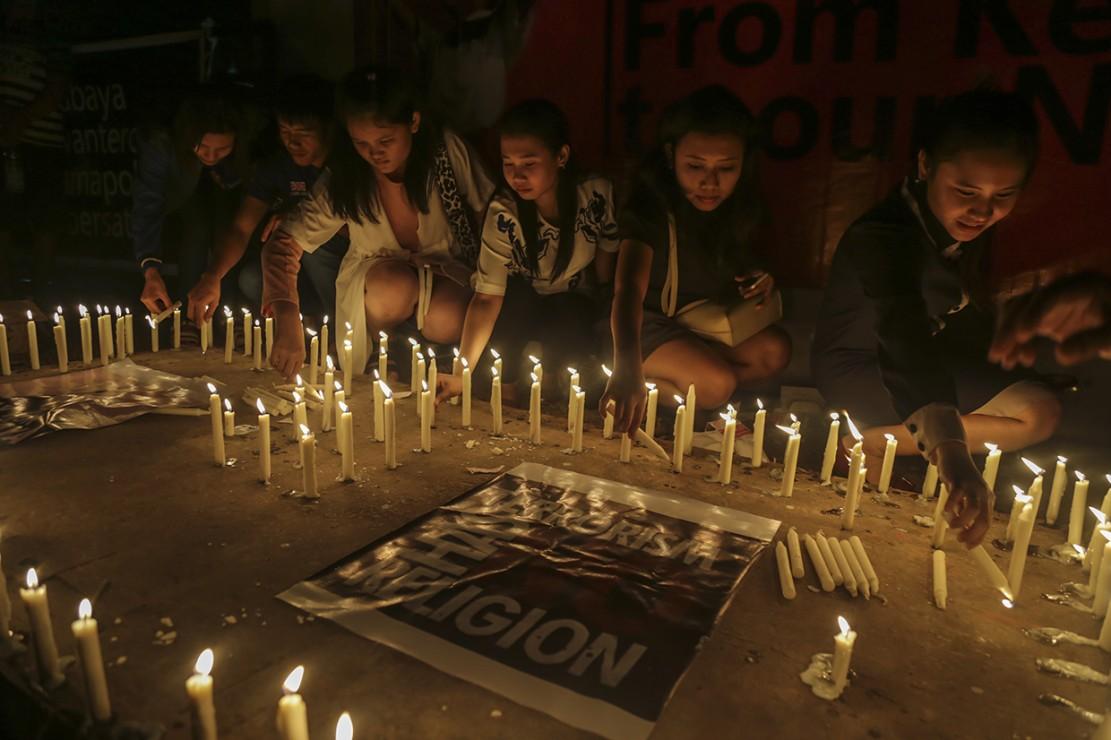 Aksi Solidaritas untuk Korban Bom Digelar di Sejumlah Daerah