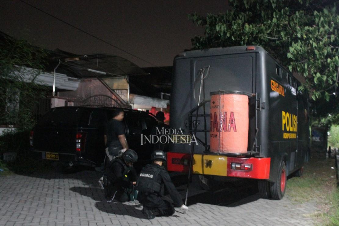 4 Bom Aktif Ditemukan di Rumah Terduga Pelaku Bom Surabaya
