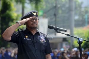 Ketua DPP bid. Hubungan Antar Daerah Partai NasDem Syahrul Yasin Limpo memimpin apel siaga nasional Partai NasDem di DPP Partai NasDem, Gondangdia, Jakarta.