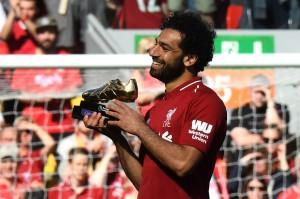 Mohamed Salah memantapkan diri menjadi top skorer Liga Inggris musim ini setelah dia membuka skor sekaligus mencetak gol ke-32 bagi Liverpool pada musim debutnya.