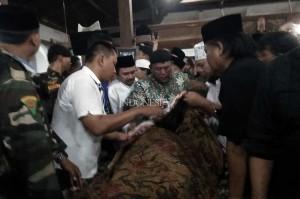 Calon petahana dalam Pilkada Kabupaten Tegal Ki Enthus Susmono meninggal dunia di Rumah Sakit Umum Daerah (RSUD) Soeselo, Slawi, Senin, 14 Mei 2018. Calon Bupati Tegal tersebut meninggal akibat serangan jantung. MI/Supardji Rasban