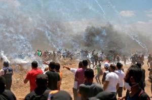 Banyaknya korban yang tewas menjadikan Senin sebagai hari paling mematikan dalam konflik Israel-Palestina sejak perang Gaza 2014 lalu.