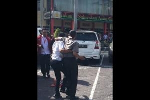 Selain itu, ada korban anggota kepolisian lantaran ditabrak kendaraan pelaku dan terkena senjata tajam. Foto: Istimewa