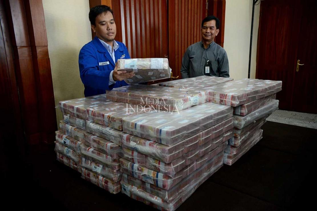 Samadikun Kembalikan Uang Tunai Rp87 Miliar