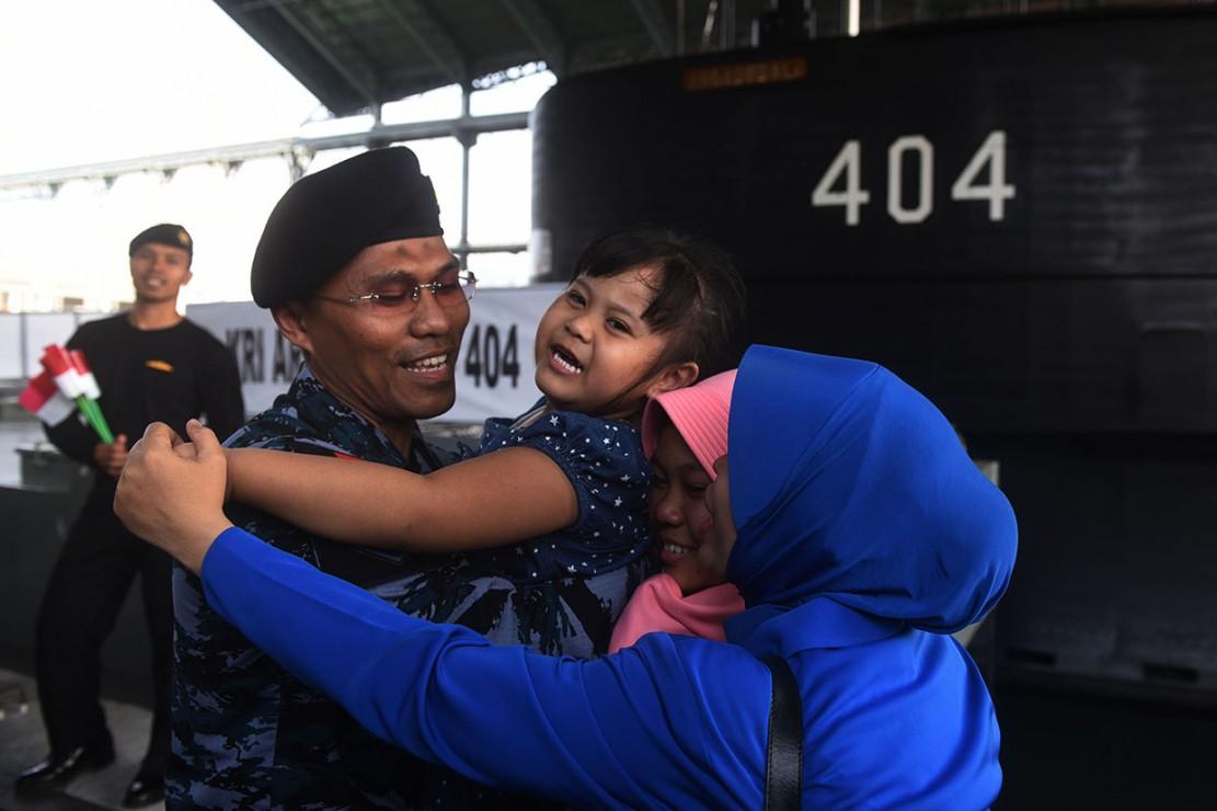 KRI Ardadedali 404 Tiba di Indonesia