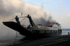 KMP Labrita Adinda dari Pelabuhan Gilimanuk, Bali, menuju Pelabuhan Ketapang, Banyuwangi, terbakar di perairan Selat Bali pada Kamis sekitar pukul 14.30 WIB. Kapal tersebut membawa 18 penumpang, dua kendaraan roda dua dan 11 kendaraan roda empat. Tidak ada korban jiwa akibat kejadian tersebut.