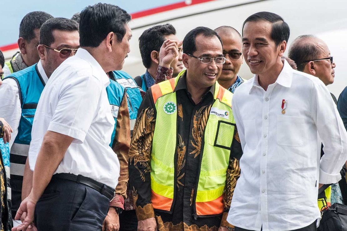 Indonesia-1, Pesawat Pertama Mendarat di BIJB