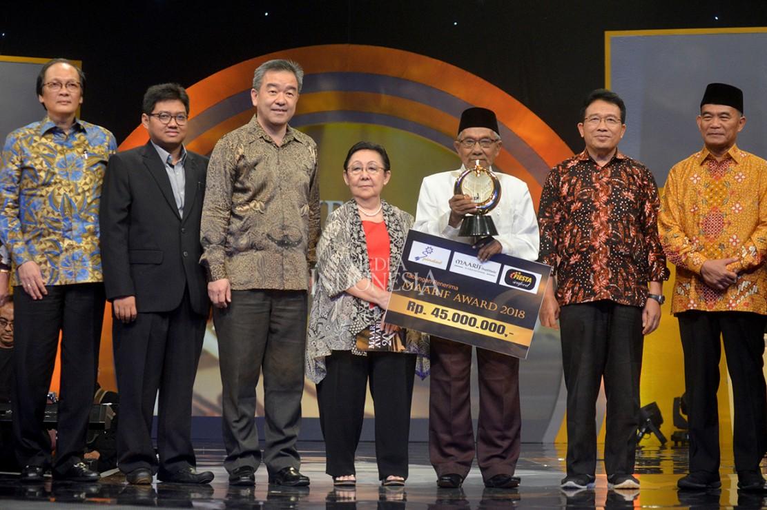 Ketua MUI Maumere Terima Penghargaan Maarif Award