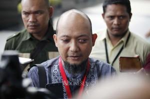 Penyidik Komisi Pemberantasan Korupsi (KPK) Novel Baswedan menyatakan, kini dirinya tengah menjalani masa pemulihan mata kirinya. Menurut dia, kondisinya kini semakin membaik.