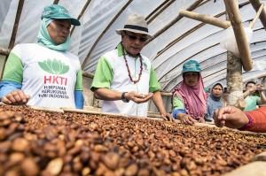 Dalam kunjungan kerjanya, Moeldoko tertarik dengan potensi kopi Puntang yang menjadi salah satu kopi terbaik di dunia dan juga memeriksa salah satu program pemerintah pusat terkait redistribusi lahan atau aset yang sudah tertuang dalam reformasi agraria salah satunya perhutanan sosial.