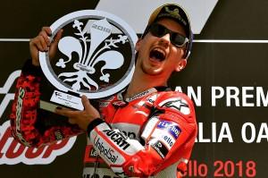 Bagi Lorenzo, ini merupakan kemenangan ke-45 di ajang MotoGP dan kemenangan pertamanya bersama Ducati, sejak bergabung pada musim lalu.