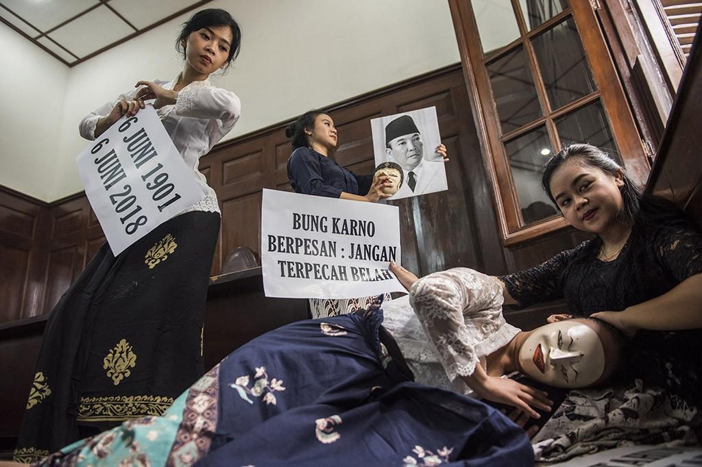 Peringati Hari Lahir Soekarno, Seniman di Bandung Menari 6 Jam Nonstop
