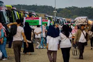 Rini Soemarno mengapresiasi sistem pendaftaran 'Mudik Bareng BUMN' secara daring yang memudahkan masyarakat merayakan Lebaran di kampung halamannya.